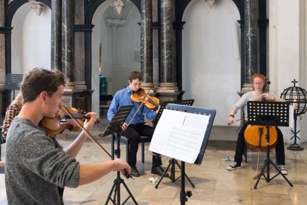 Ernestinum gestaltet musikalische Andacht in der Stadtkirche